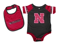 Nebraska Infants Roll-Out Onesie N Bib Set