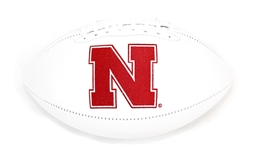 Huskers Embroidered Signature Ball w Market Set